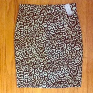 NWT Ann Taylor Petite Geometric Pencil Skirt. 4P